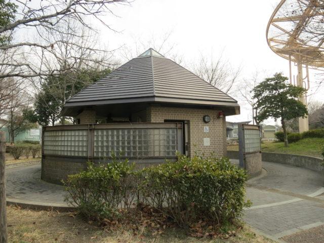 大阪市鶴見緑地 子どもの森 公衆便所