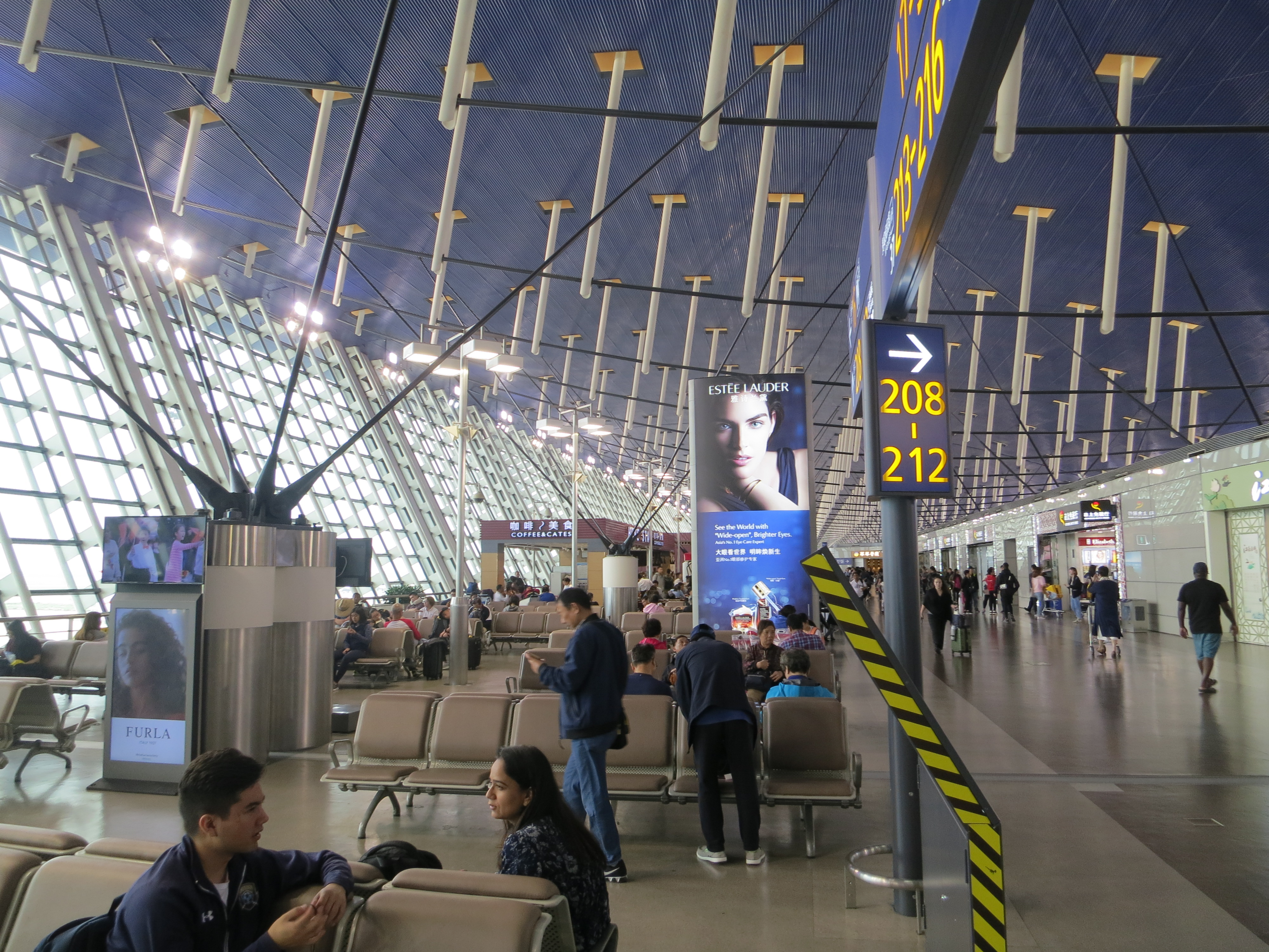 190617 上海浦東国際空港 出発ロビー