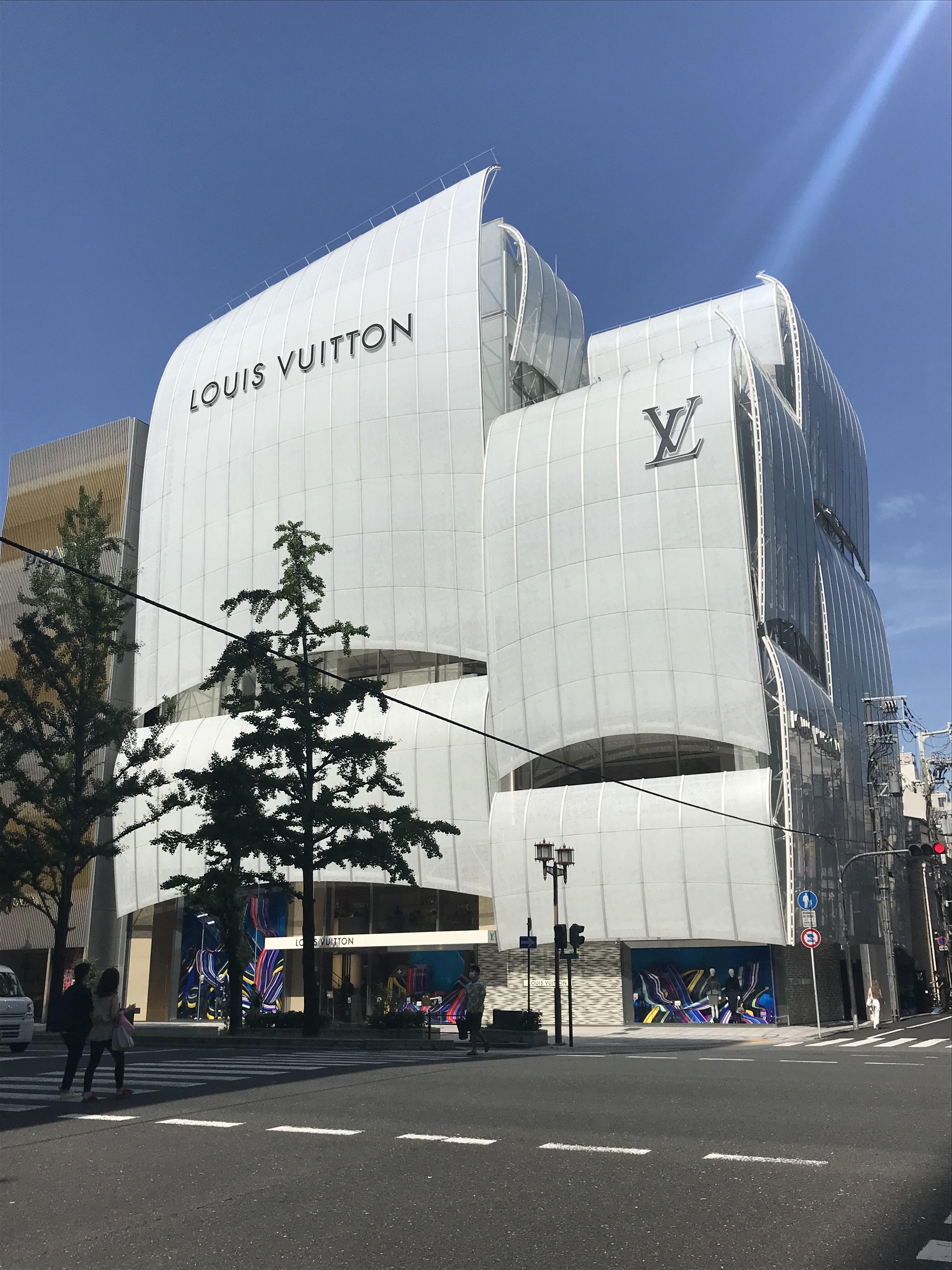 200703 ルイ・ヴィトン メゾン 大阪御堂筋